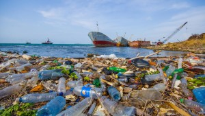 plastic-trash-in-oceans-and-waterways-1